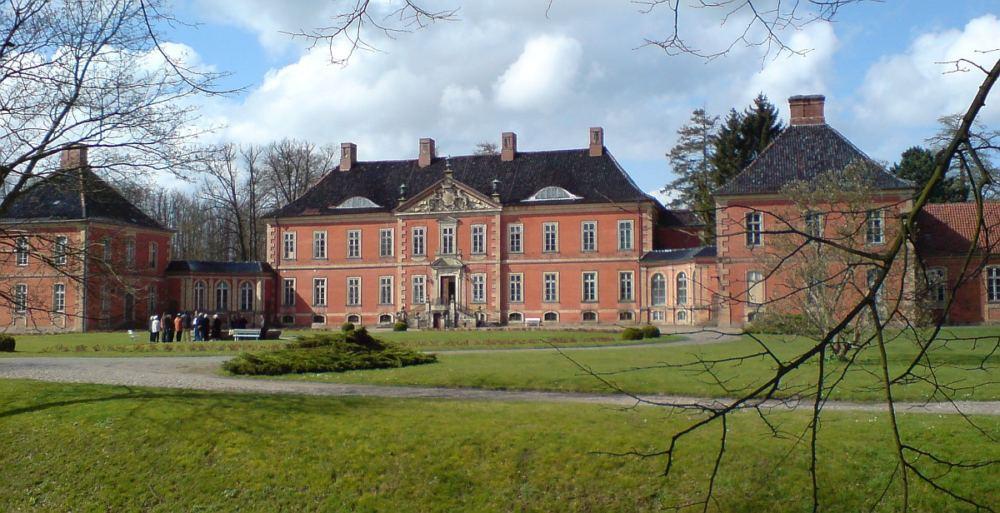 Schloss Bothmer ist ein Wasserschloss in Klütz, Westmecklenburg, und die größte erhaltene Barockanlage Mecklenburg-Vorpommerns