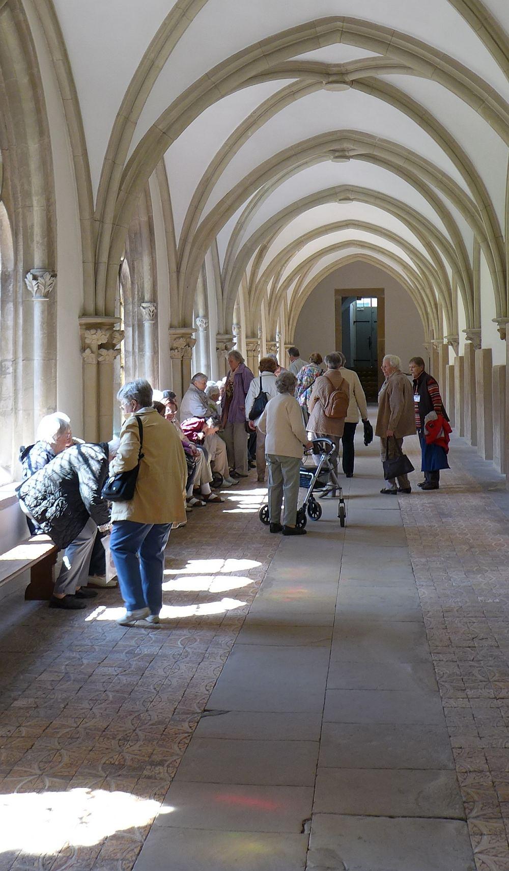 Exkursion ins Kloster Loccum, Blick in den Kreuzgang