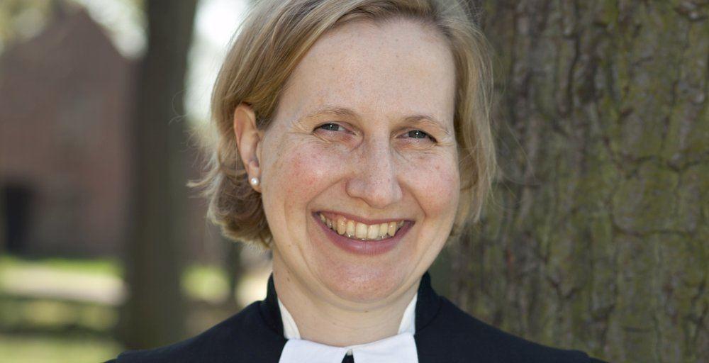 Pastorin Corinna Senf